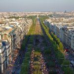 Елисейские поля — место прогулок и духа Парижа